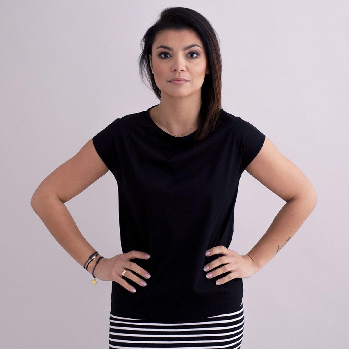 Dámske tričko čierne bavlna 10576 S