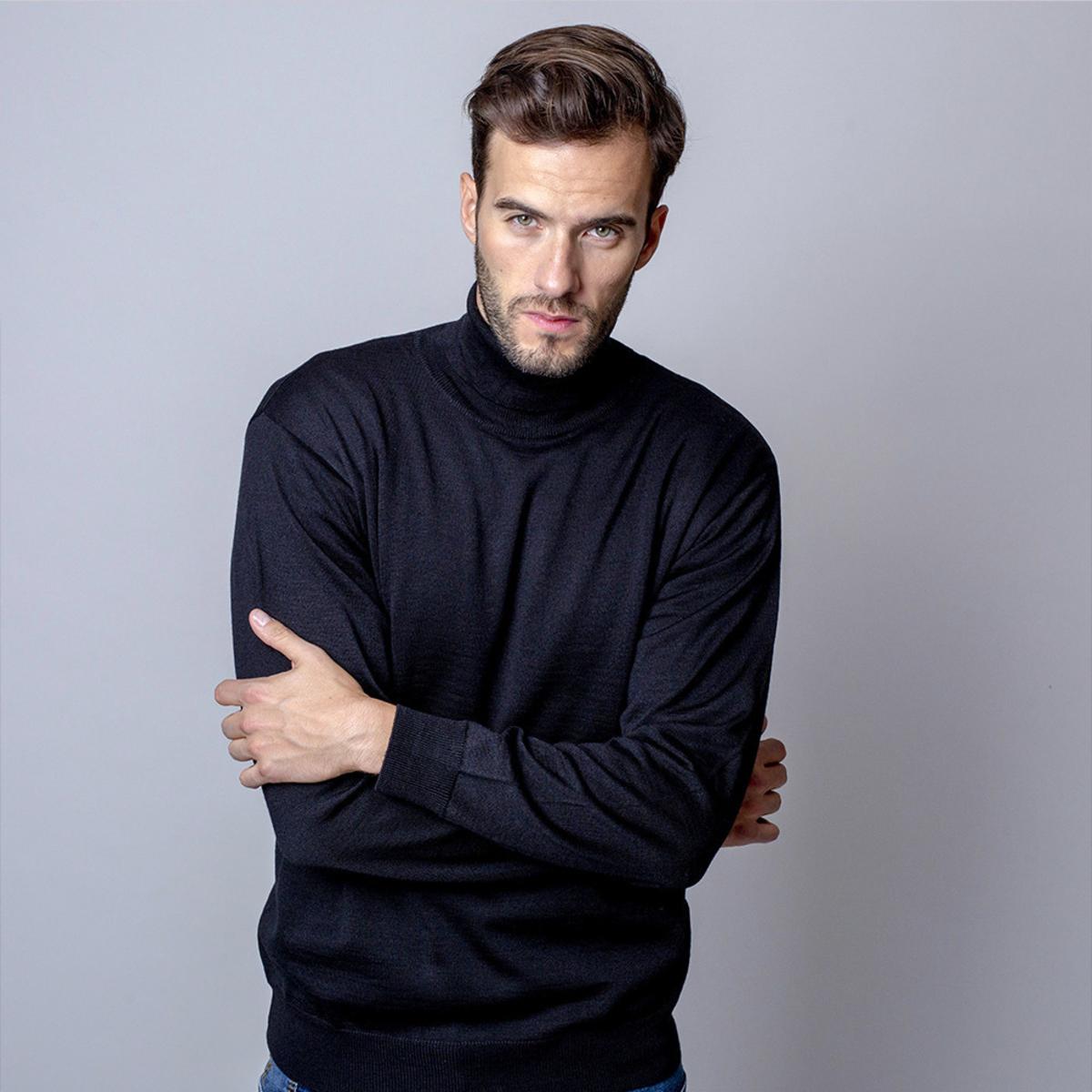 Pánsky sveter s rolákom čierny 11066 XL