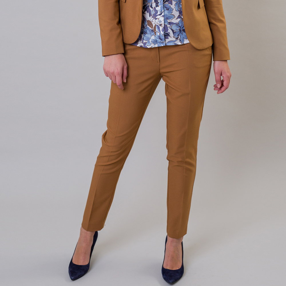Dámske spoločenské nohavice hnedej farby 11162 42
