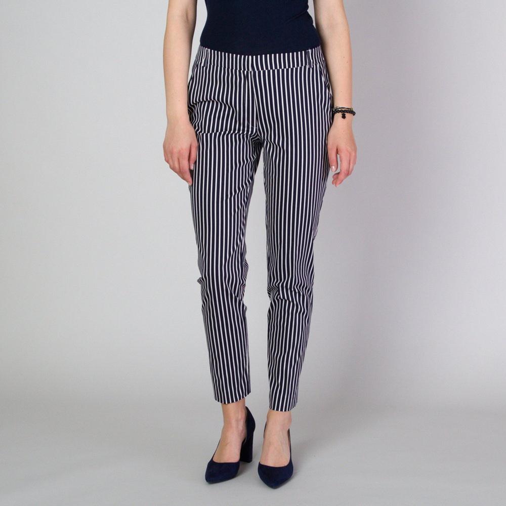 Dámske spoločenské nohavice s kontrastným pruhovaným vzorom 11779 40