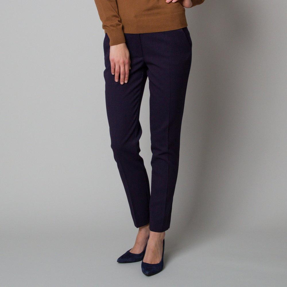 Dámske spoločenské nohavice tmavo modré s jemným vzorom 12371 38